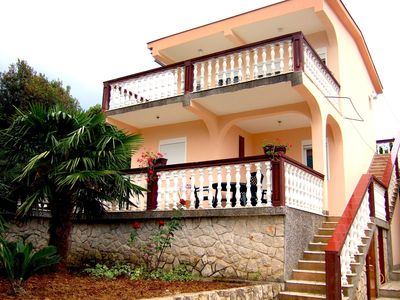 Villa with a beautiful sea view in between two bays
