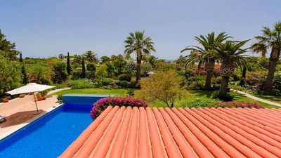 Photo for Stunning four bedroom villa situated on the sought after Carvoeiro Clube complex
