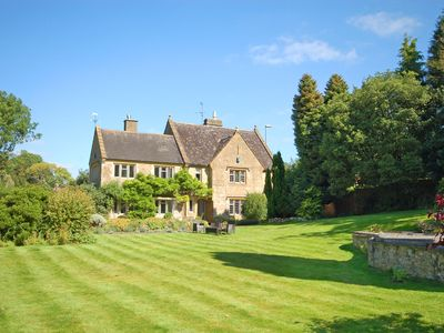 Photo for 6 bedroom House in Beaminster - SOULO