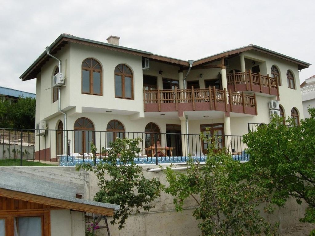 Luxury Villa in idyllic hillside setting near Balchik