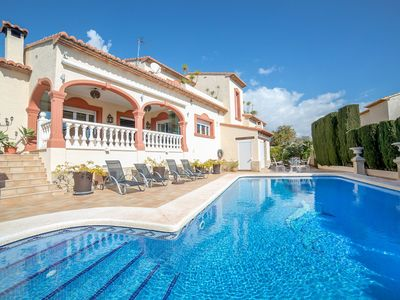 Photo for This 4-bedroom villa for up to 8 guests is located in Calpe and has a private swimming pool, air-con