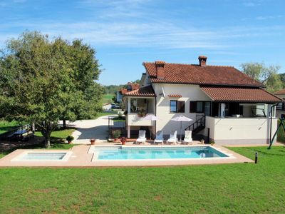 Photo for 4 bedroom Villa, sleeps 8 in Trviž with Pool, Air Con and WiFi