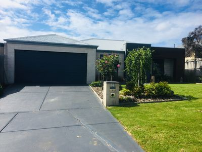Photo for WATERFALL GULLY RETREAT QUITE AREA,3 BEDROOM MODERN, ENSUITE HOME,