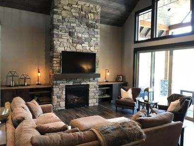 Photo for 5 BR Suncadia estate w/ outdoor fire pit on golf course