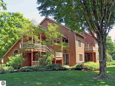 Photo for Spacious 2 Bed Condo at Crystal Mountain Resort