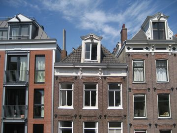 Lovely room in the center of Amsterdam with complete privacy