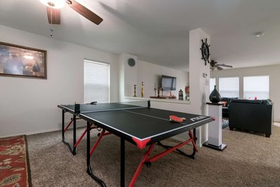 Perfect for large groups. Ping pong, shuffle board, large screen smart tv, open floor plan..... What are you waiting for?