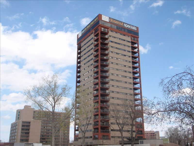 20th floor near downtown denver 2 bedroom homeaway for Cabin rentals near denver colorado
