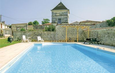Photo for 4 bedroom accommodation in Neuvicq le Chateau