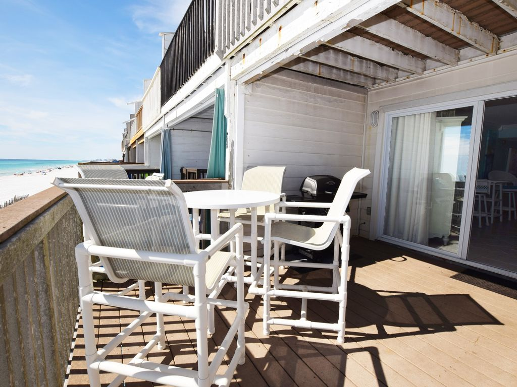 Main Floor Deck Sandollar Townhomes Unit 12 Miramar Beach House Destin Vacation Als