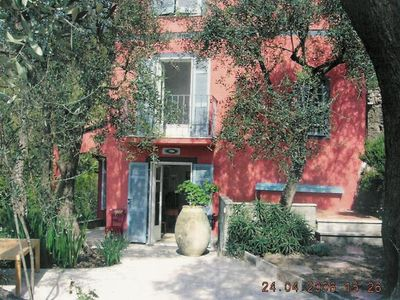 Photo for Villa with pool, park and enchanting view of the Gulf and Porto Venere.