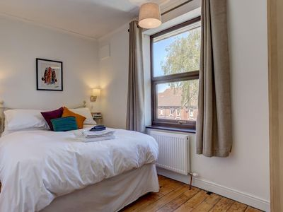 Photo for Bright Double Room in Sunny Home | Free Parking