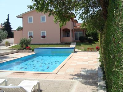 Photo for Nice apartment just 500 meters from the beach and a 50 m2 large pool