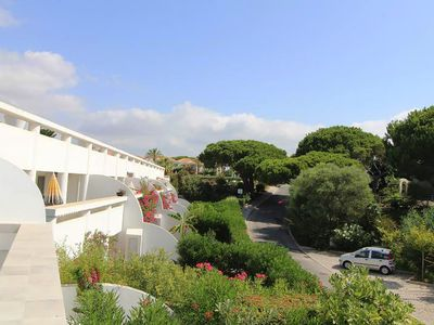 Photo for VdL 20Q - Beautiful 2 bedroom apartment with sun terrace, stroll to everything, air con & WiFi
