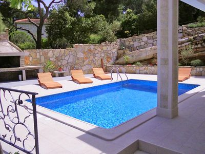 Photo for Seaside family friendly house with a swimming pool Puntinak (Brač) (K-767)