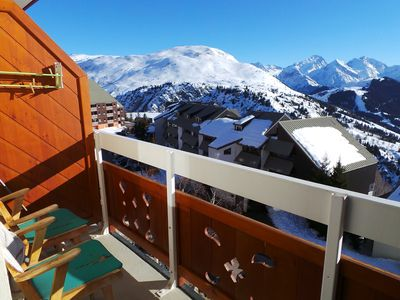 Photo for Apartment at the foot of the slopes with separate bedroom, mountain views