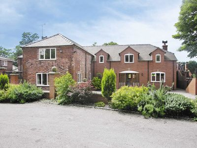 Photo for 8 bedroom accommodation in Barrow-on-Trent