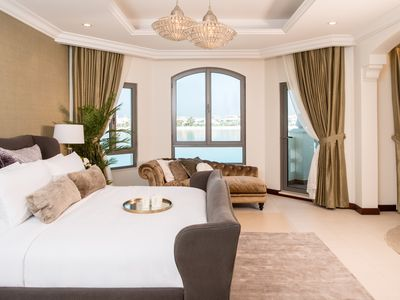 Photo for Beautiful 4 Bed Villa on the Stunning Palm Jumeirah