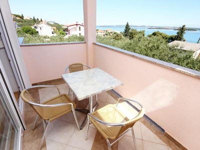 Photo for One bedroom apartment with terrace and sea view Tkon (Pašman)
