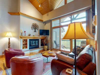 Photo for Family-friendly ski-in/ski-out condo w/shared pool and hot tub, loft, & balcony!