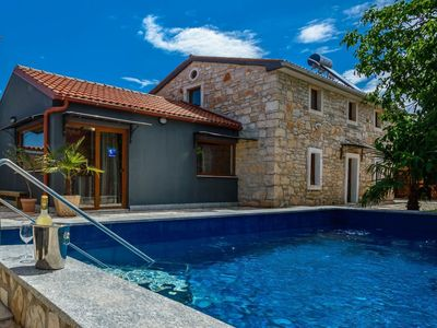 Photo for Traditional Istrian stone house Villa Lucia with pool