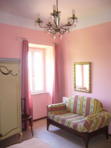 Photo for Holiday apartment La Nostalgia in countryhouse with pool, Lake Trasimeno Umbria