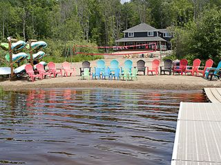 Neubau Water Front Muskoka Cottage -