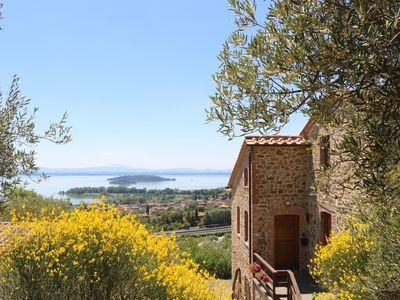 Photo for Holiday Home with wonderful view on Trasimeno Lake