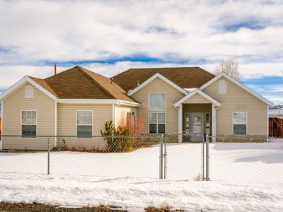 Photo for Relax in this charming Panguitch home. Positioned on the south side of town, it offers easy access t