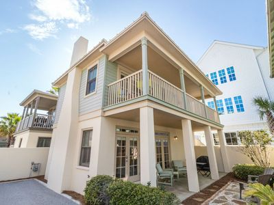Photo for Sunset Beach! South on 30A, Large Beachfront Comm Pool! Walk/Bike to Rosemary! Book now for Summer!