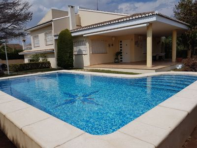 Photo for Beautiful villa sleeps 10 with private pool