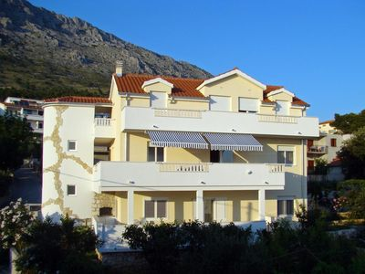 Photo for Two bedroom apartment with balcony and sea view Nemira (Omiš)