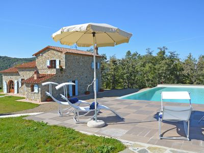 Photo for Private Villa with A/C, private pool, WIFI, hot tub, TV, panoramic view, parking, close to Arezzo