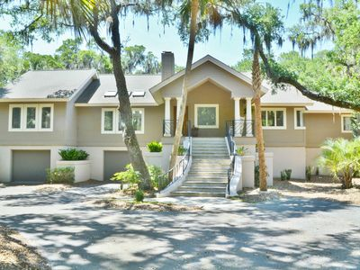 Photo for Upscale home w/deck, pool table & shared pool, beach club & more