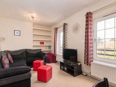 Photo for Cute 2BR Home near Tower Bridge, 4 guests