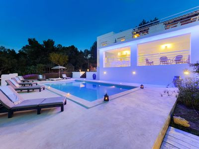 Photo for Amazing Sunset Villa for 10 Persons with Private Pool, Wifi and A/C!
