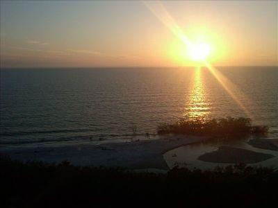 Photo for 11th Floor Gulf Beachfront Condo, Great Views! WiFi