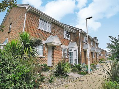 Photo for 2 bedroom property in Weymouth.
