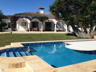 Photo for Villa with swimming pool and sea view 800 meters from Puerto Banus