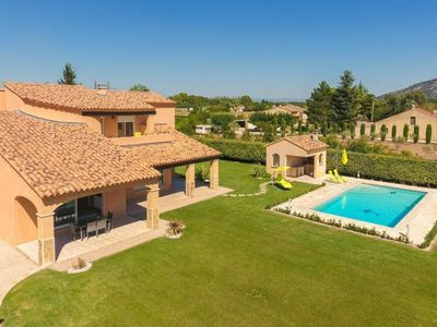 Photo for Exquisite & Vibrant 3 Bedroom Villa In France