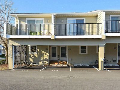 Photo for LINENS INCLUDED*!  DAILY Activities. COMMUNITY POOL/WIFI/ COUNTRY CLUB ESTATES