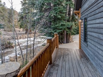 Rocky Mountain Reflections - Gorgeous 3 Bed On Fall River, minutes to Rocky Mountain National Park and Town