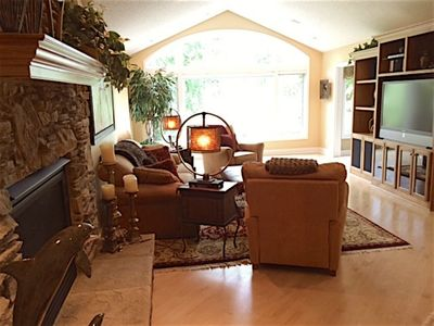 Photo for 4BR House Vacation Rental in Eden Prairie, Minnesota