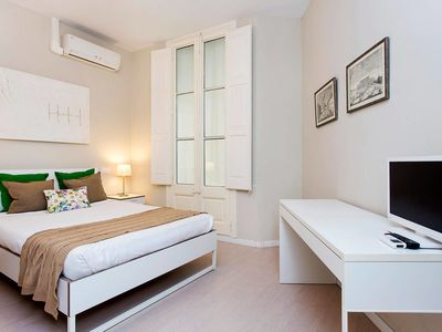 Photo for Trendy 3 Bed Flat in Central Area