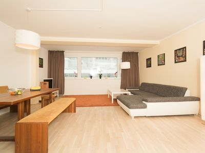 Photo for 80m² city apartment with 2 bedrooms, directly at the State Opera