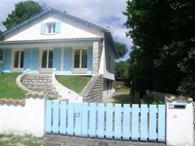 Photo for Villa Les Mathes, 4 bedrooms, 8 persons