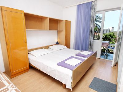 Photo for Studio flat with balcony and sea view Tučepi, Makarska (AS-6695-f)