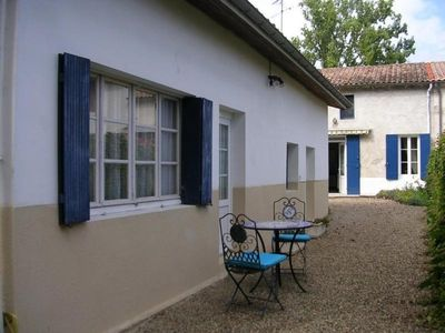 Photo for Gite Pujols-sur-Ciron, 1 bedroom, 2 persons