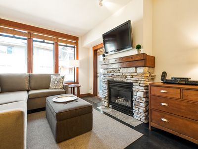 Photo for Elegant 1-bedroom Village condo with modern art, lodge amenities and Sherwin Mountain views