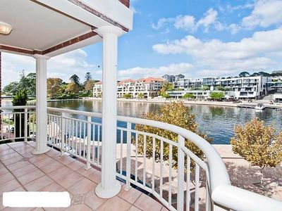 Photo for EXCLUSIVE WATERFRONT APARTMENT WALKING DISTANCE TO OPTUS STADIUM